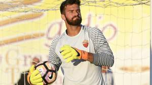 Alisson, la solitudine del portiere part-time